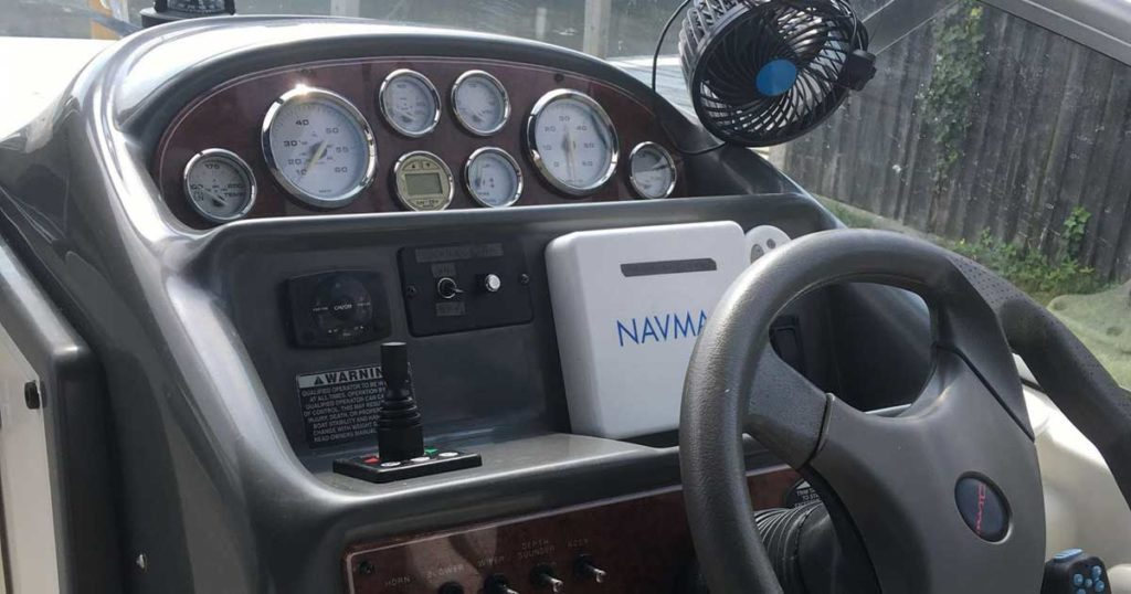 Bayliner dashboard with retrofit bow thruster joy stick