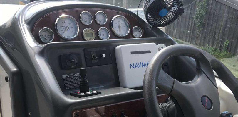 Bayliner dashboard with retrofitted bow thruster joy stick